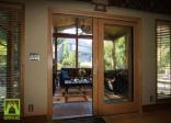 Mẫu cửa gỗ kính gỗ tự nhiên đẹp tại tphcm